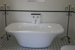 White Room Ensuite Bath
